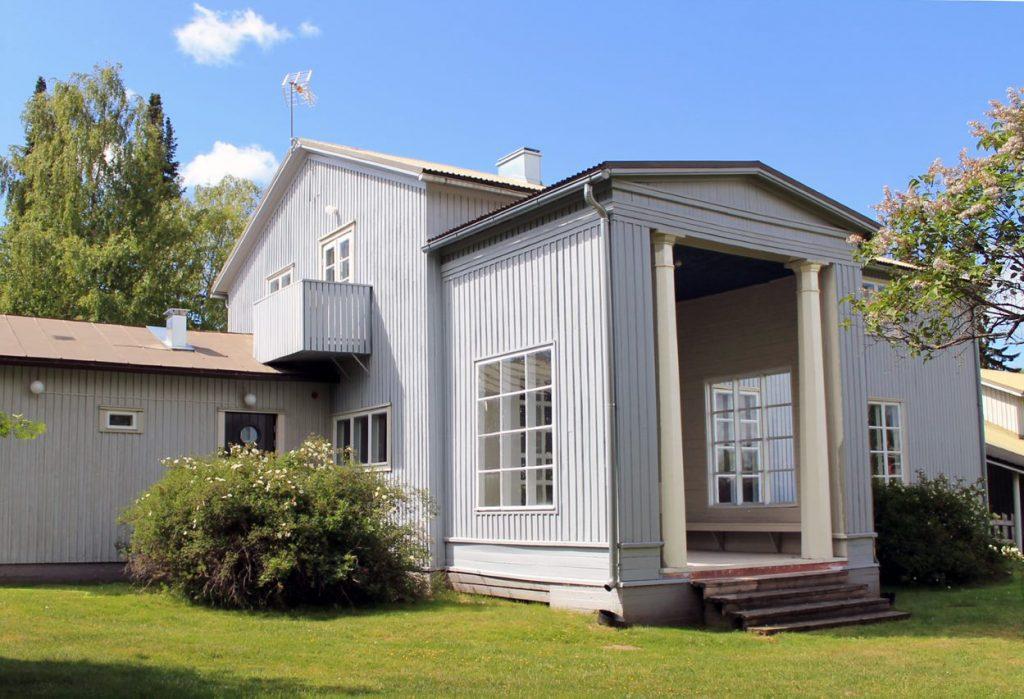 Villa Väinölä ulkoa.