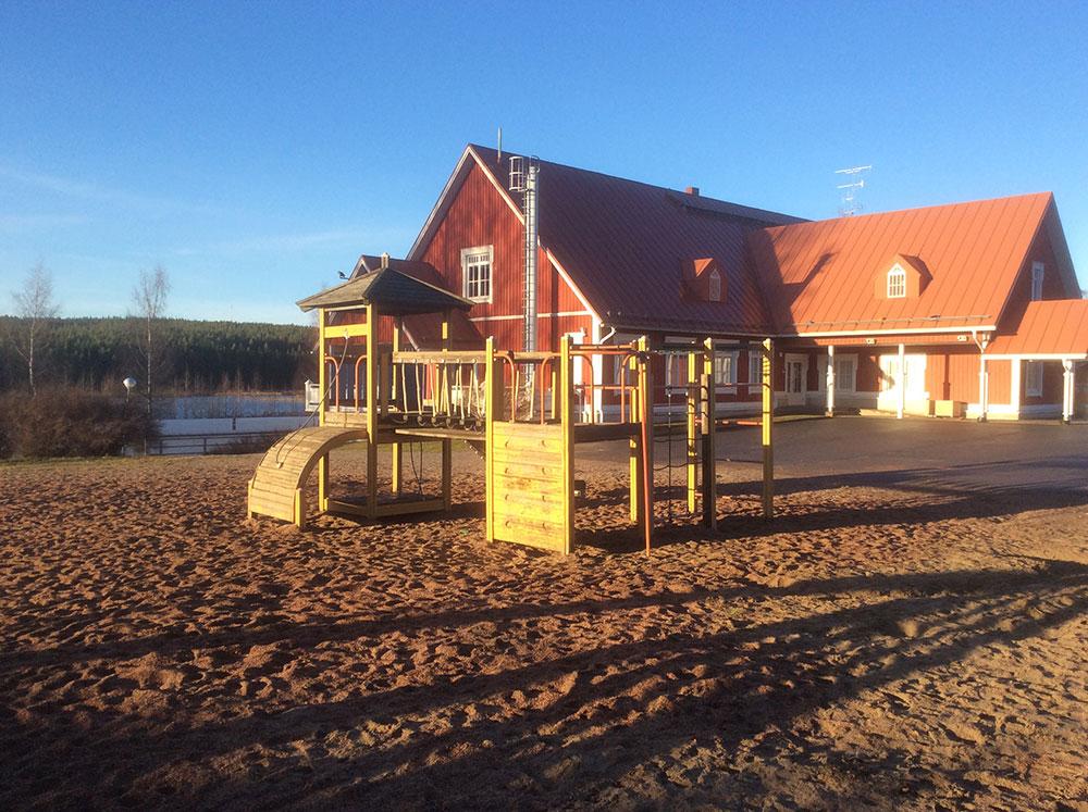 Paalijärven koulu.